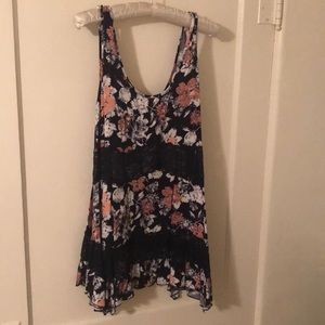 Flowing Flowers tank top